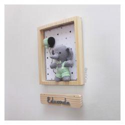 Quadro Elefantinho com macacão - Porta Maternidade