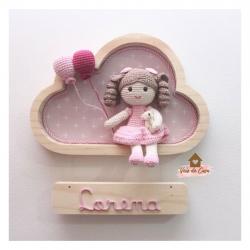 Boneca com ursinho - Nuvem P - Porta Maternidade