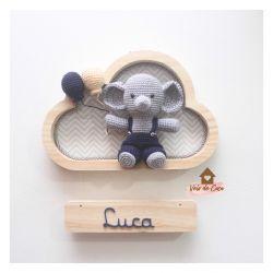 Elefantinho com Macacão - Nuvem P - Porta Maternidade