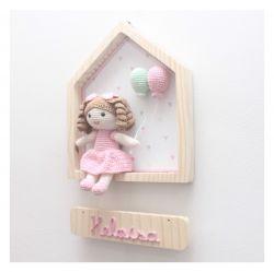 Boneca  na Casinha - Porta Maternidade