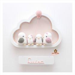 Família Passarinhos - 2 filhos - Nuvem M Branca - Porta Maternidade