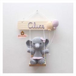 Elefantinha no Balanço - Porta de Maternidade