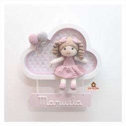 Boneca - Nuvem Branca - Placa Colorida - Porta Maternidade