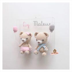 Ursinhos Gêmeos - Quadro Acrílico - Porta Maternidade