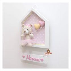 Ursinha Bailarina - 2 balões coração - Casinha Branca - Porta Maternidade