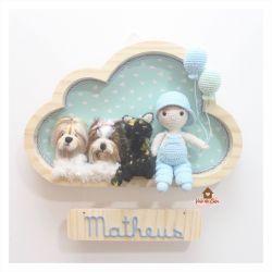 Menino com 3 pets - Nuvem G - Porta Maternidade