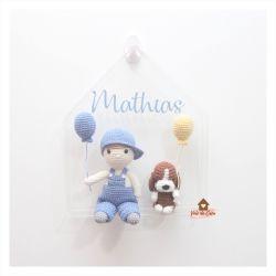 Menino com Cachorrinho - Casa Acrílico - Porta Maternidade