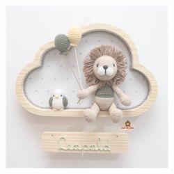 Leão com passarinho - Nuvem G - Porta Maternidade