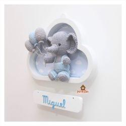 Elefantinho com Macacão - 3 balões - Nuvem Branca - Porta Maternidade