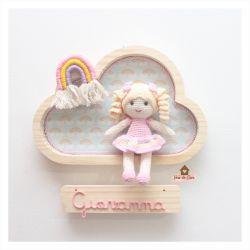 Boneca com Arco-Íris - Nuvem M - Porta Maternidade