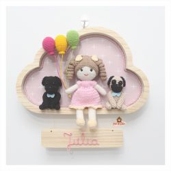 Boneca Cacheada - 2 Pets  - 3 balões - Nuvem G - Porta Maternidade
